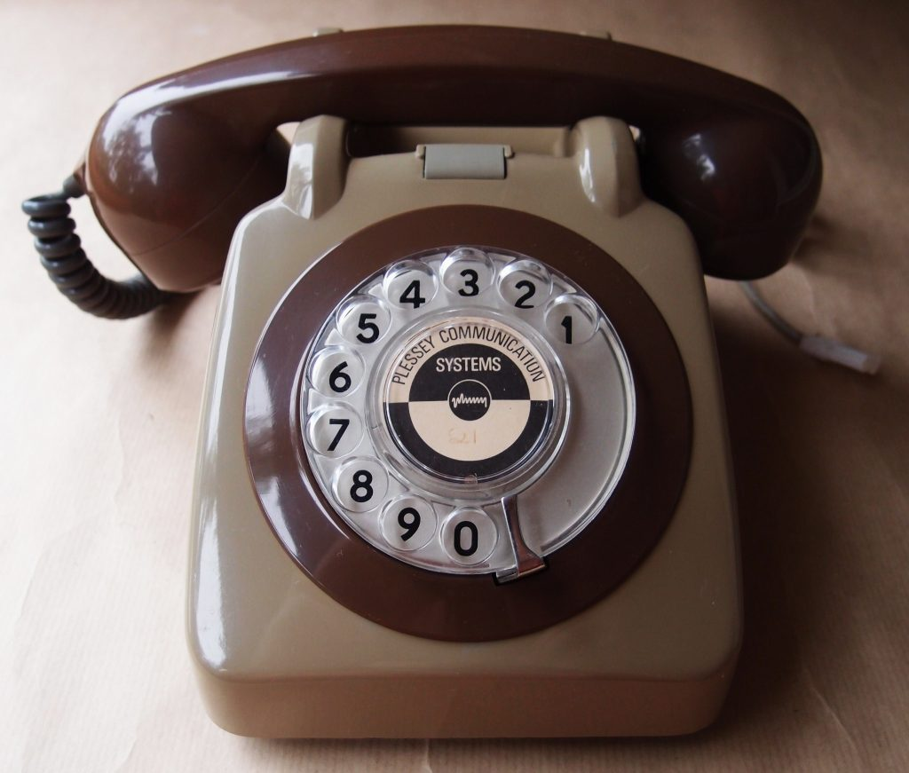 How To Dial A Telephone